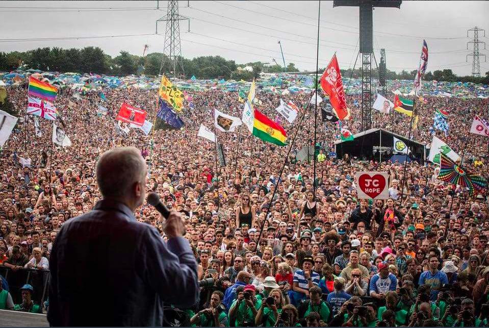 Jeremy-Corbyn-Glastonbury