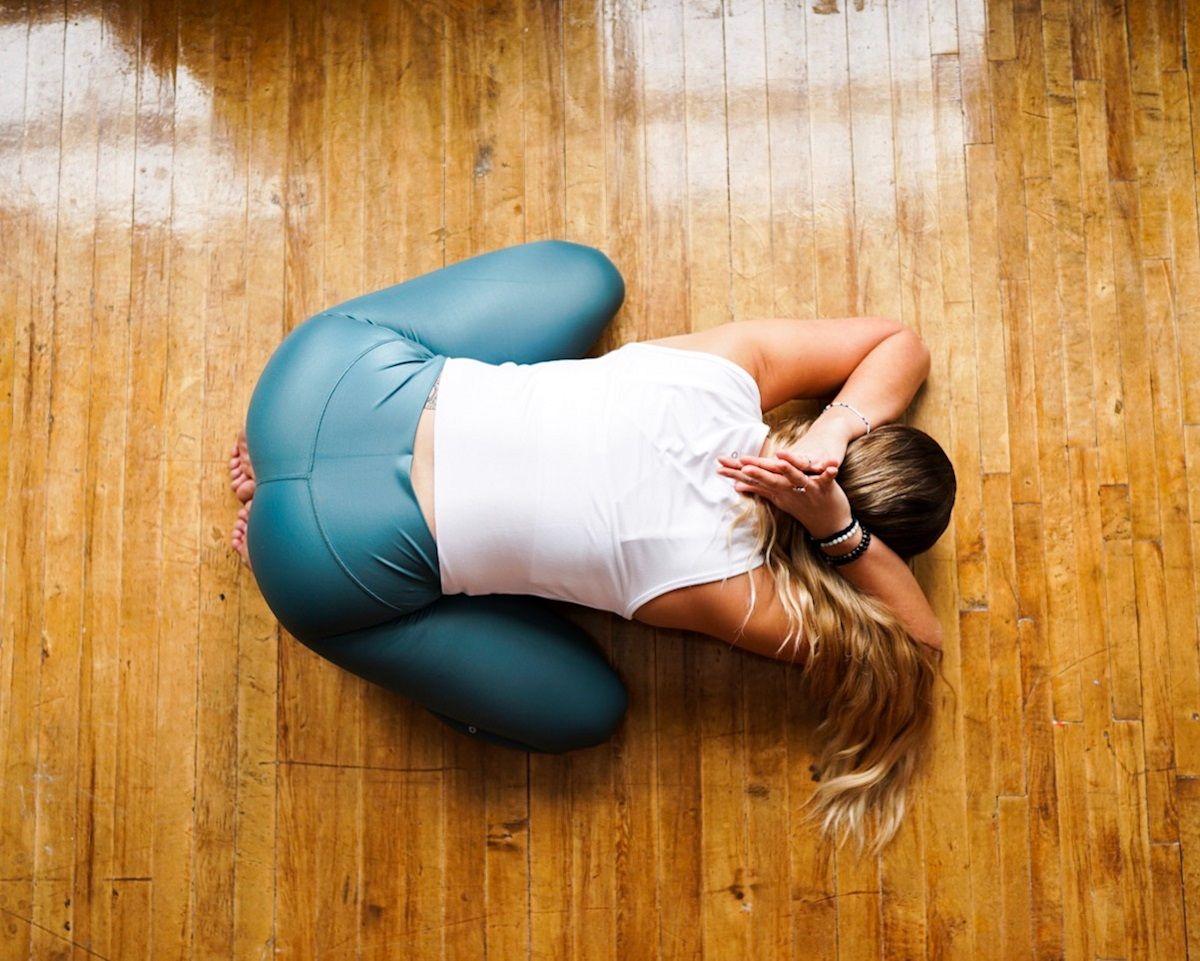 Yoga-Poses-to-Improve-Flexibility