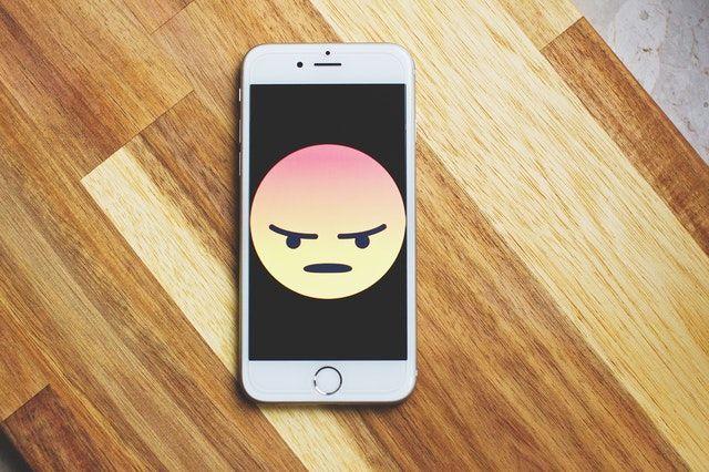Quit-social-media-phone