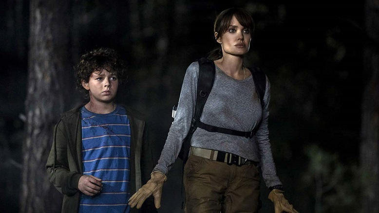 Angelina Jolie and Finn Little in Those Who Wish Me Dead